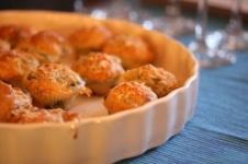 Minimuffins mit Mangold und Brie
