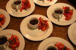 Schokosüppchen mit Erdbeeren